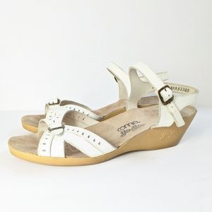 VTG 70's Connie Yo Yos Wedge Sandals White 10